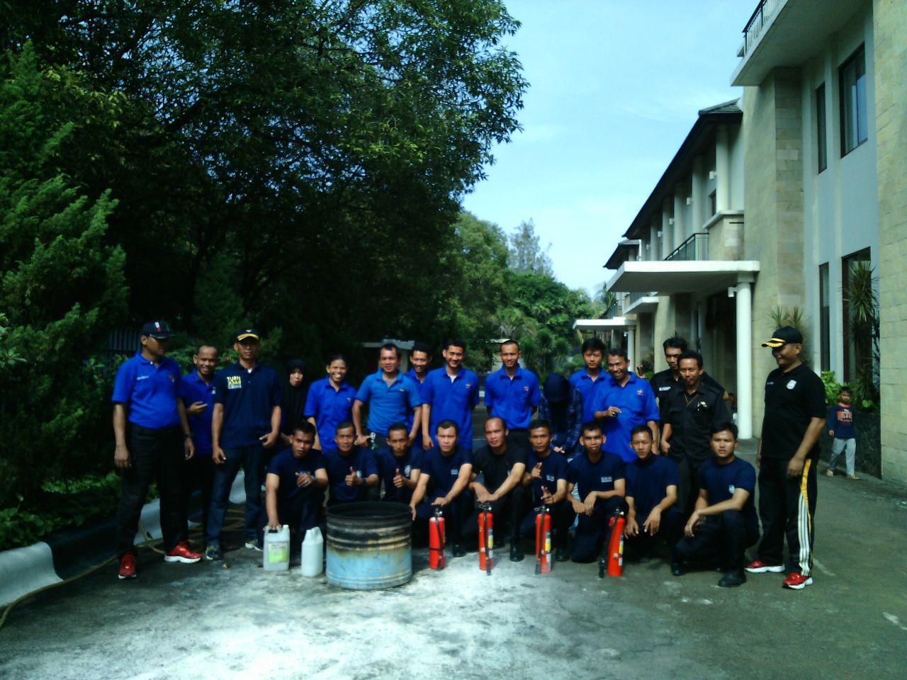 Peserta Pelatihan Damkar di Daksa Residence